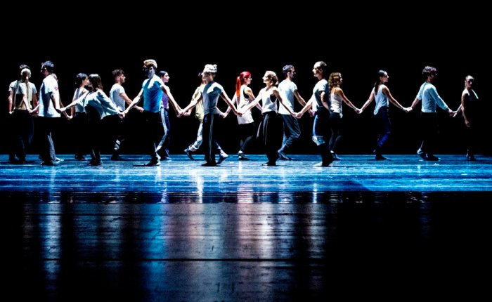 Sadler's Wells Review: The Thread
